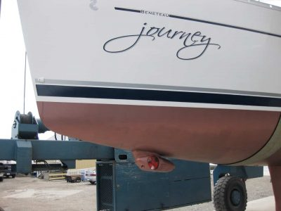 close-up-side-view-Beneteau-35